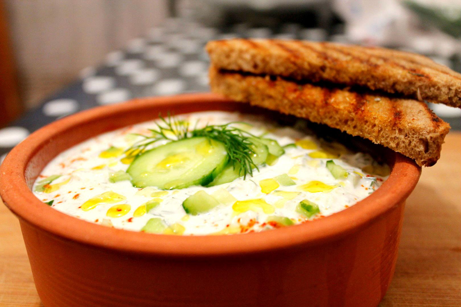 salata tatziki greceasca